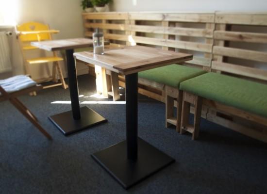 kavárenský stolek HoKi
