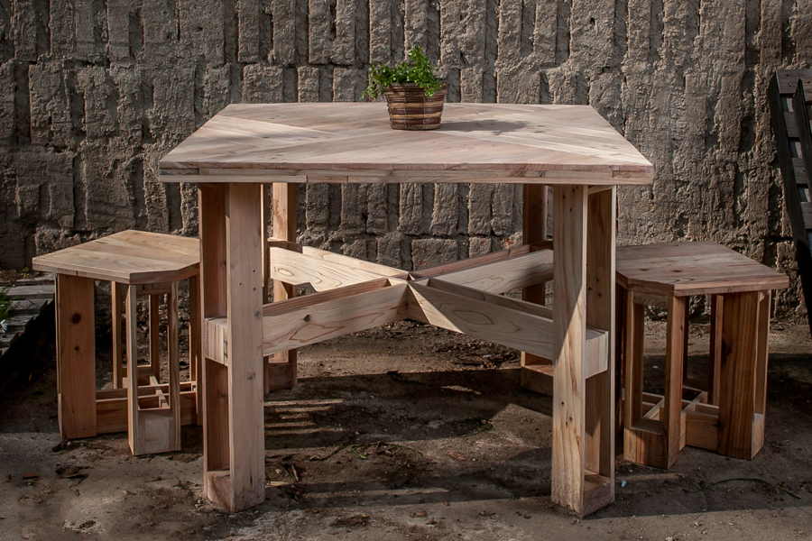 set stolu a taburetek KUROSU