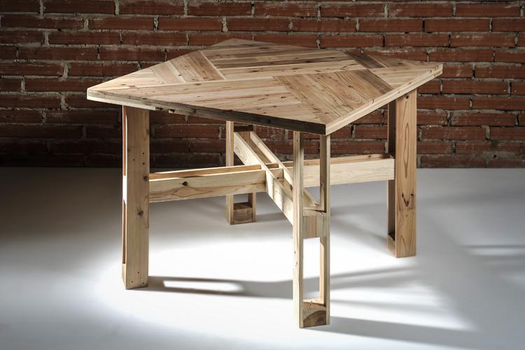 paletový stůl KUROSU z cedru