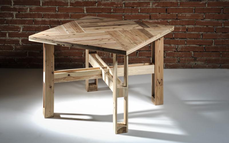 stůl Kurosu