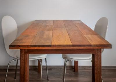 Jídelní stůl MATAHARI