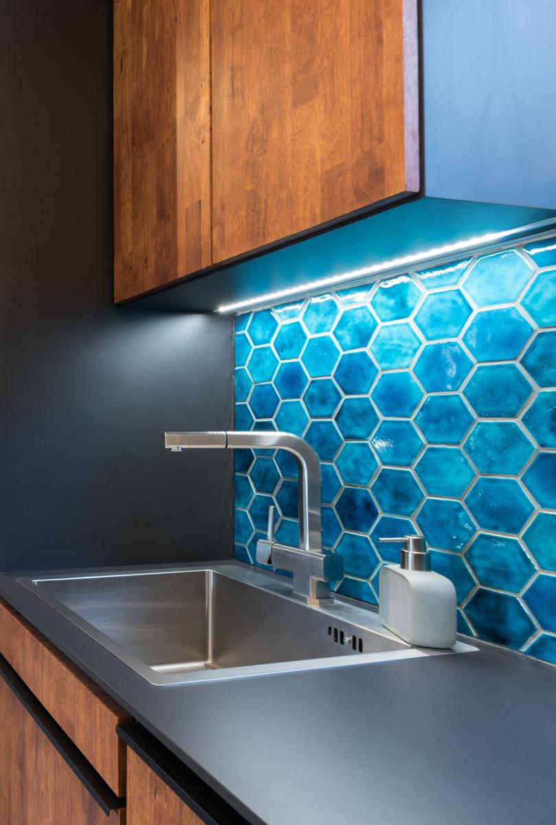 Paletky | recyklovaný nábytek z palet | Hexagona Web 1200 7 | nábytek na míru