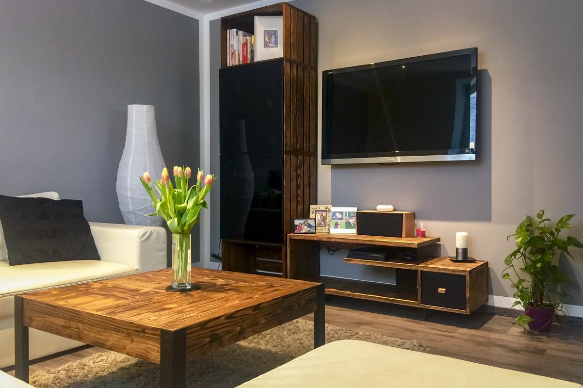 Paletky   recyklovaný nábytek z palet   Interiér Web Pat. Modřín 1200x803   nábytek na míru