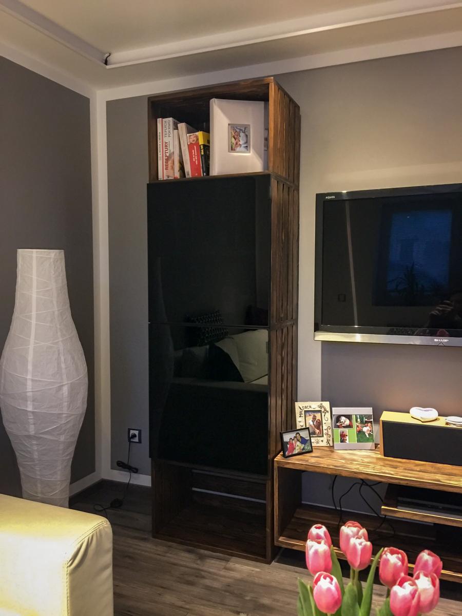Paletky   recyklovaný nábytek z palet   Obývací Pokoj Patinovaný Modřín Web 1200 2   nábytek na míru