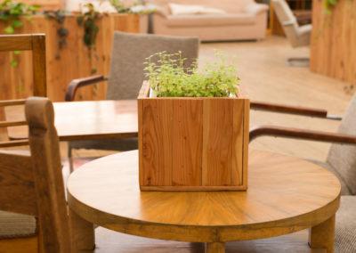 Paletky | recyklovaný nábytek z palet | Ogilvy Web 1200 12 | nábytek na míru