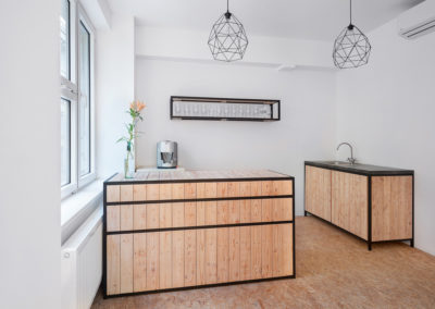 Paletky | recyklovaný nábytek z palet | Mobilní Kuchyň Web 1200 8 | nábytek na míru
