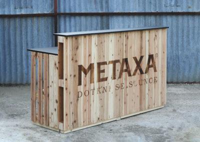 Paletky | recyklovaný nábytek z palet | Bar Klasik + Logo Metaxa 2 | nábytek na míru