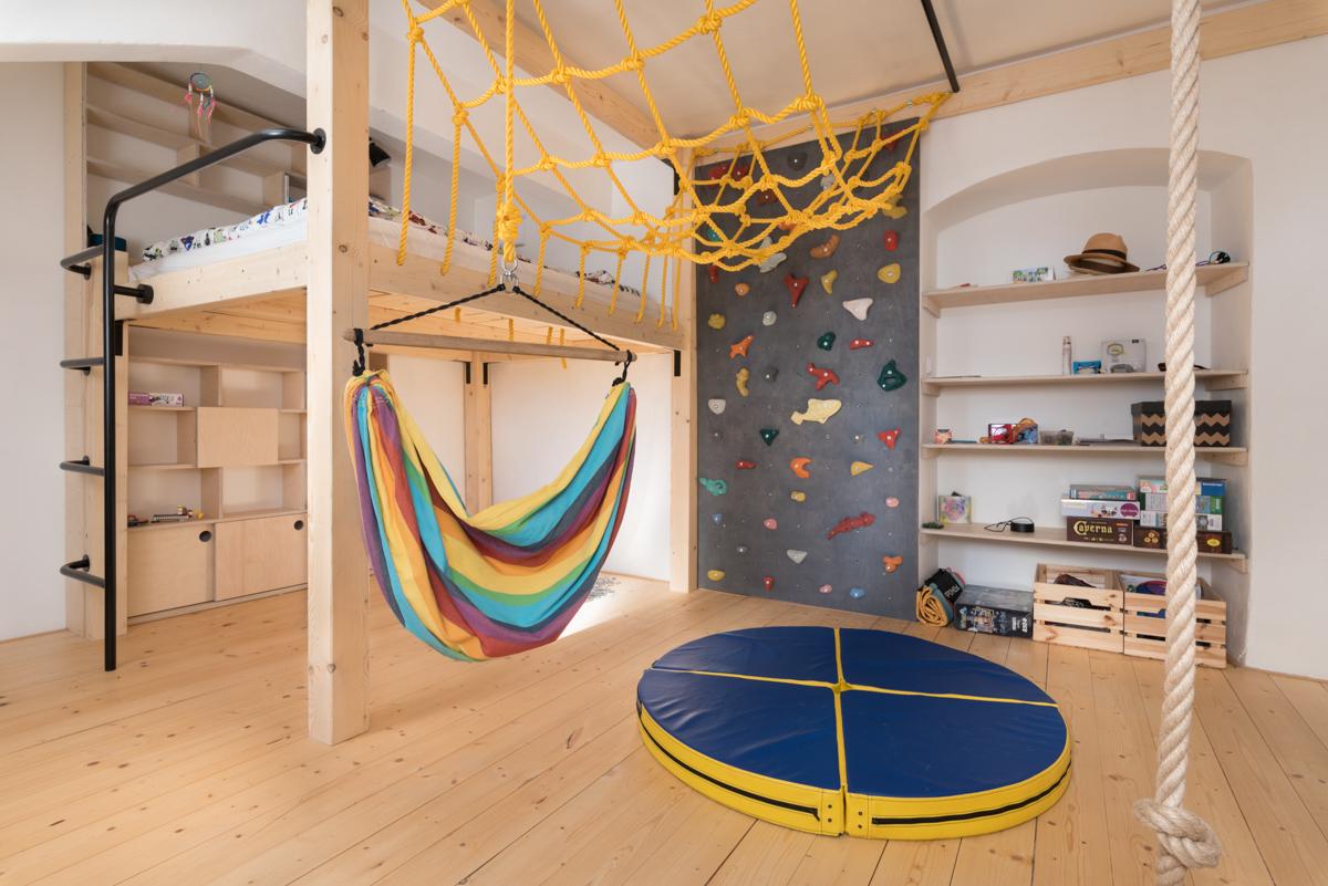 Paletky | recyklovaný nábytek z palet | Dětský Pokoj Web 1200 3 | nábytek na míru