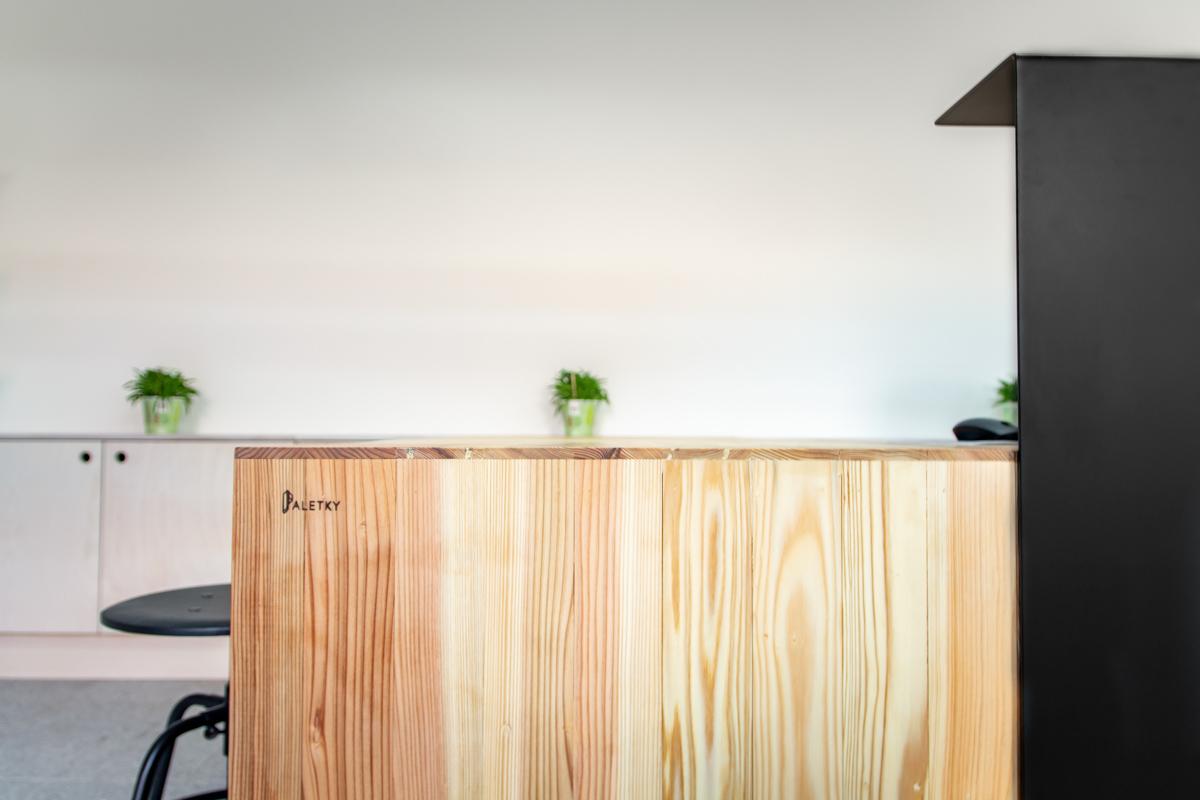 Paletky | recyklovaný nábytek z palet | Dzs Web 1200 16 | nábytek na míru
