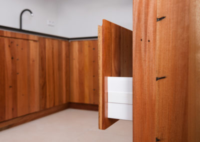 Paletky | recyklovaný nábytek z palet | Fénix Web 1200 8 | nábytek na míru