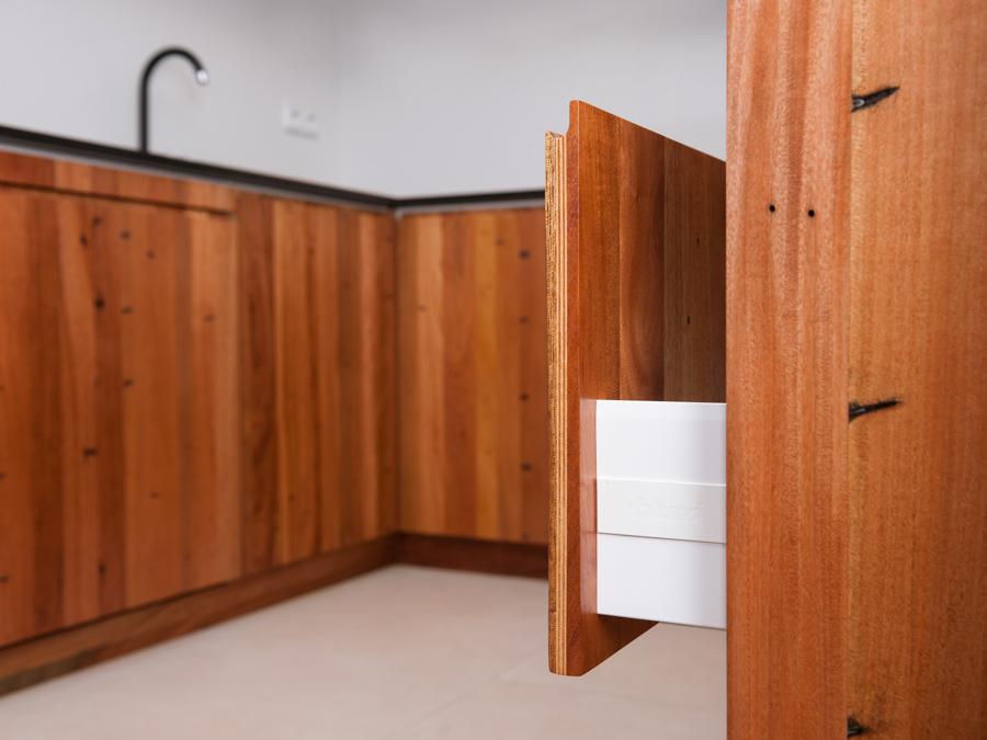Paletky | recyklovaný nábytek z palet | Fenix 2 | nábytek na míru