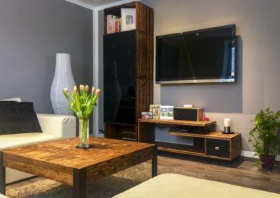 Paletky | recyklovaný nábytek z palet | Interiér Web Pat. Modřín 1200x803 | nábytek na míru