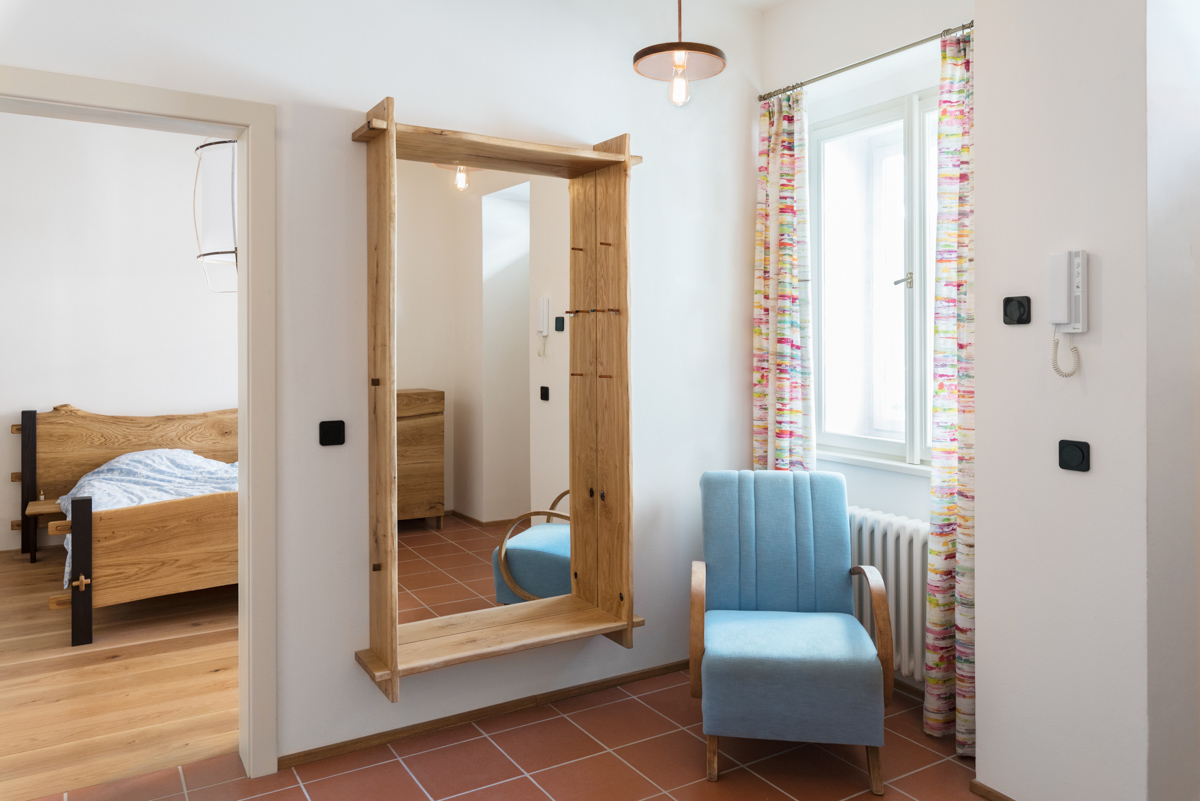 Paletky | recyklovaný nábytek z palet | Interier Dub A Cedr Web1200 7 | nábytek na míru