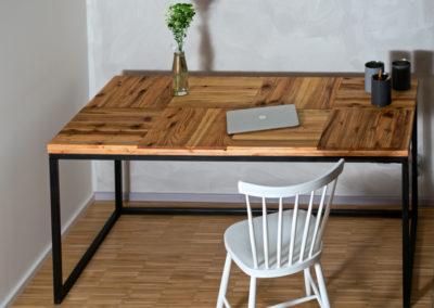 Stůl KYOKU