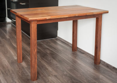 jídelní stůl, detail ze strany, Matahari, mahagonový vzor
