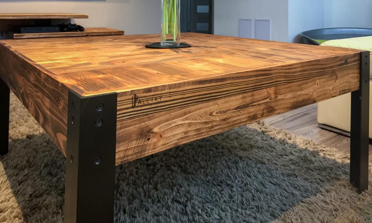 Paletky | recyklovaný nábytek z palet | Obývací Pokoj Patinovaný Modřín Web 1200 1 | nábytek na míru