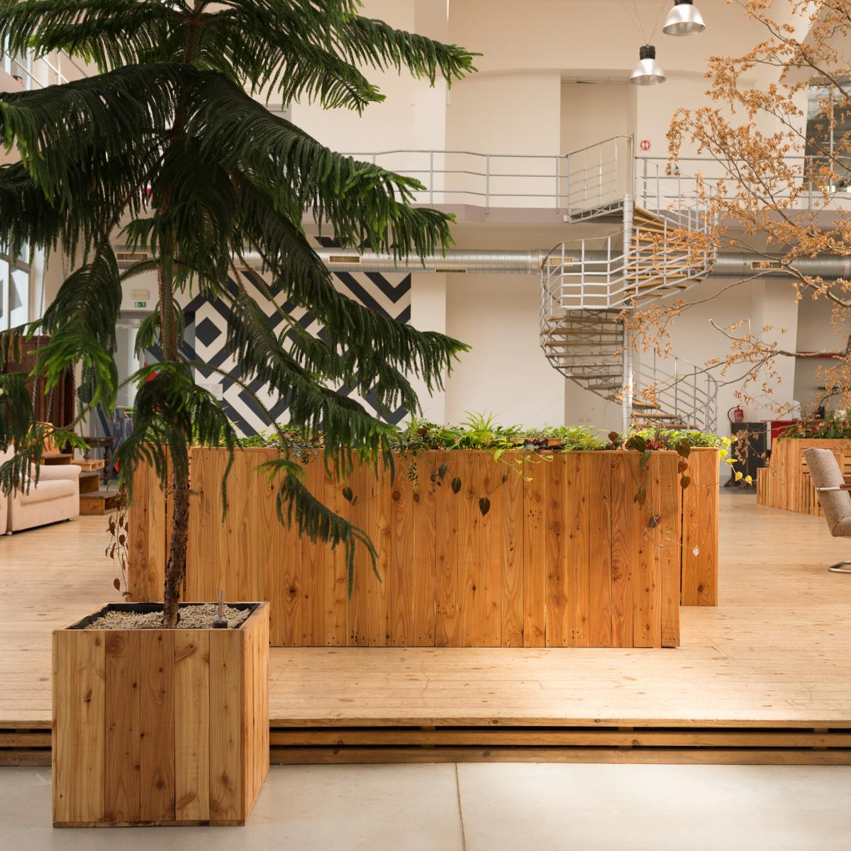 Paletky | recyklovaný nábytek z palet | Ogilvy Web 1200 18 | nábytek na míru