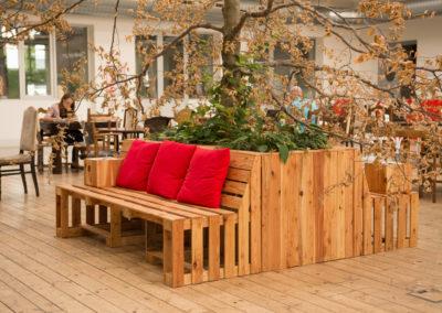 Paletky | recyklovaný nábytek z palet | Ogilvy Web 1200 7 | nábytek na míru