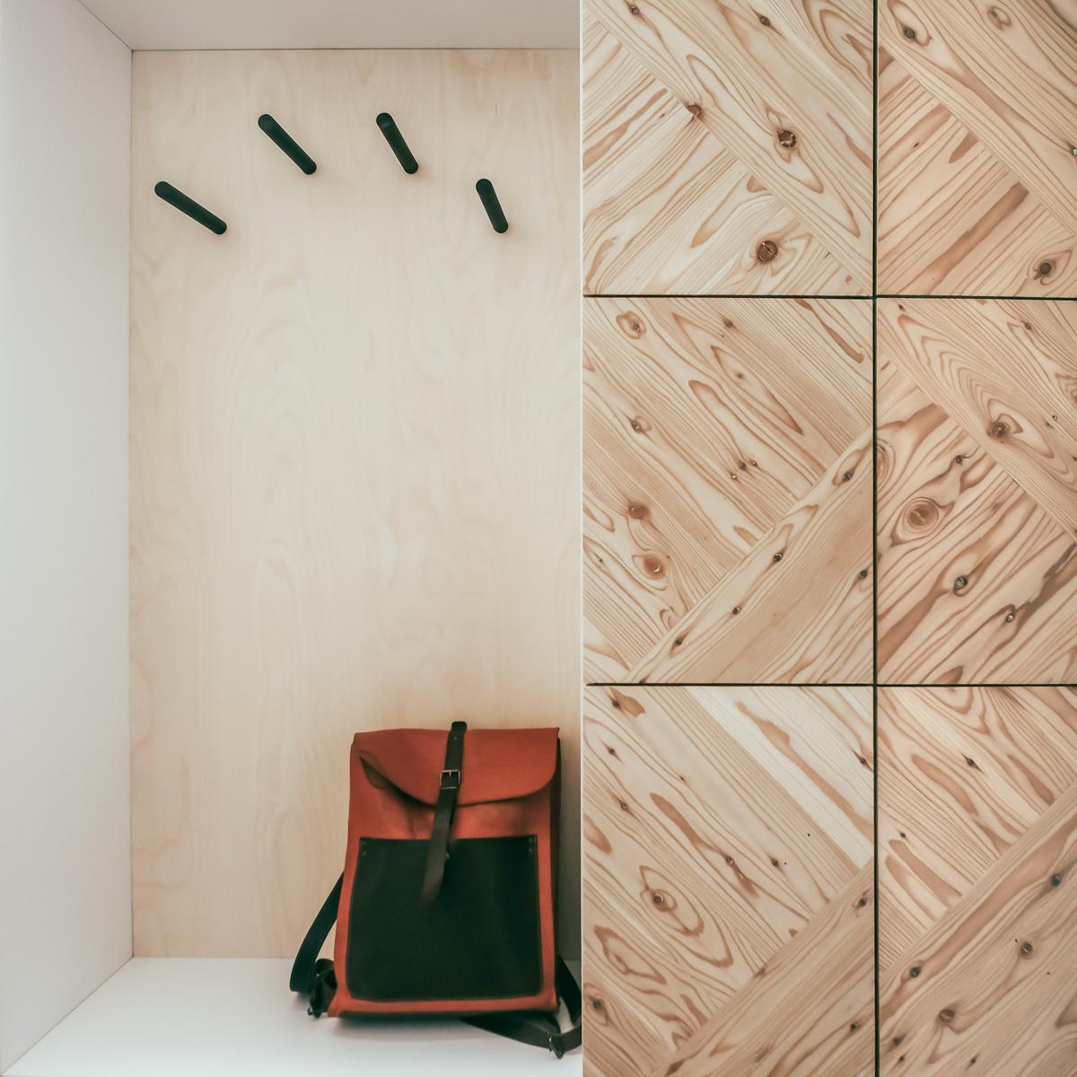 Paletky | recyklovaný nábytek z palet | Předsíň A Ložnice Web 1200 6 2 | nábytek na míru