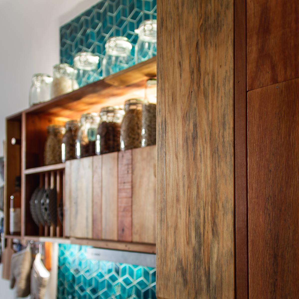 Paletky | recyklovaný nábytek z palet | Azulej Web 1200 19 | nábytek na míru