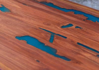 Paletky | recyklovaný nábytek z palet | Stůl Epox Modrý Web 1200 1 | nábytek na míru
