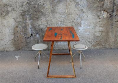 Paletky | recyklovaný nábytek z palet | Stůl Epox Modrý Web 1200 7 | nábytek na míru