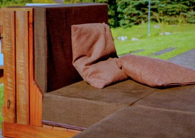 Paletky | recyklovaný nábytek z palet | Ukume Mahagony Web 1200 1 | nábytek na míru