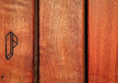 Paletky | recyklovaný nábytek z palet | Ukume Mahagony Web 1200 2 | nábytek na míru
